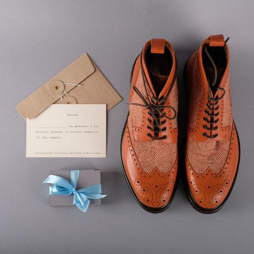 Immagine di Regala delle scarpe su misura